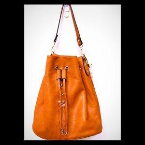 Beatiful multi wear bucket purse
